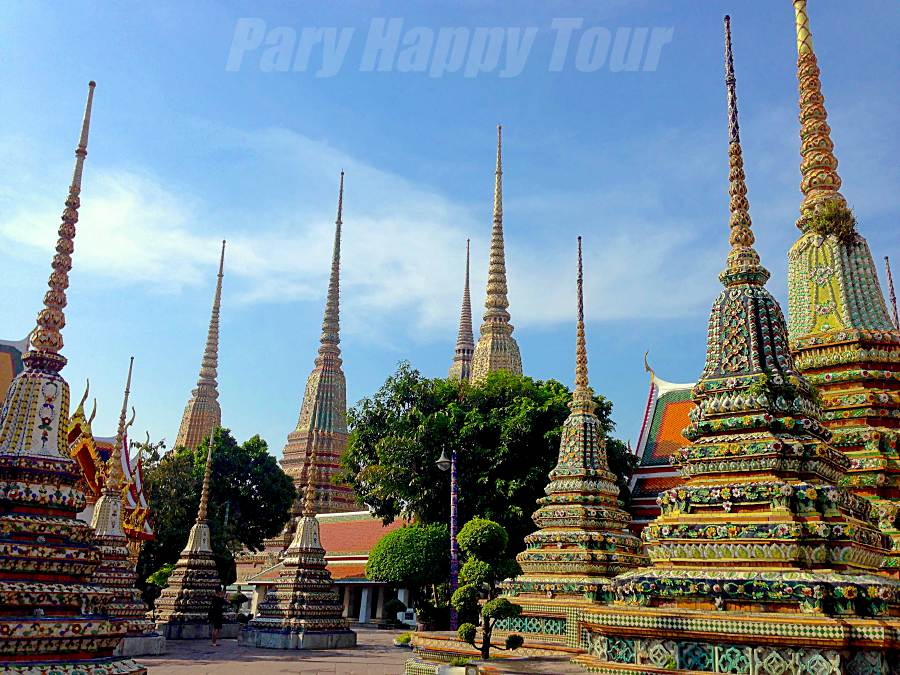 Wat Pho (The Reclining Buddha Temple)