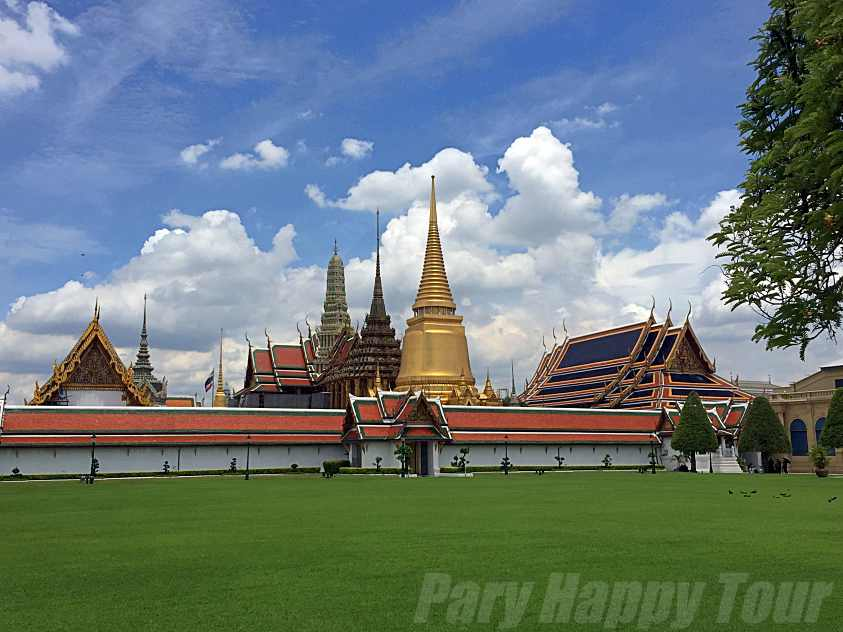 The Grand Palace and The Emerald Buddha Temple The Grand Palace and The Emerald Buddha Temple