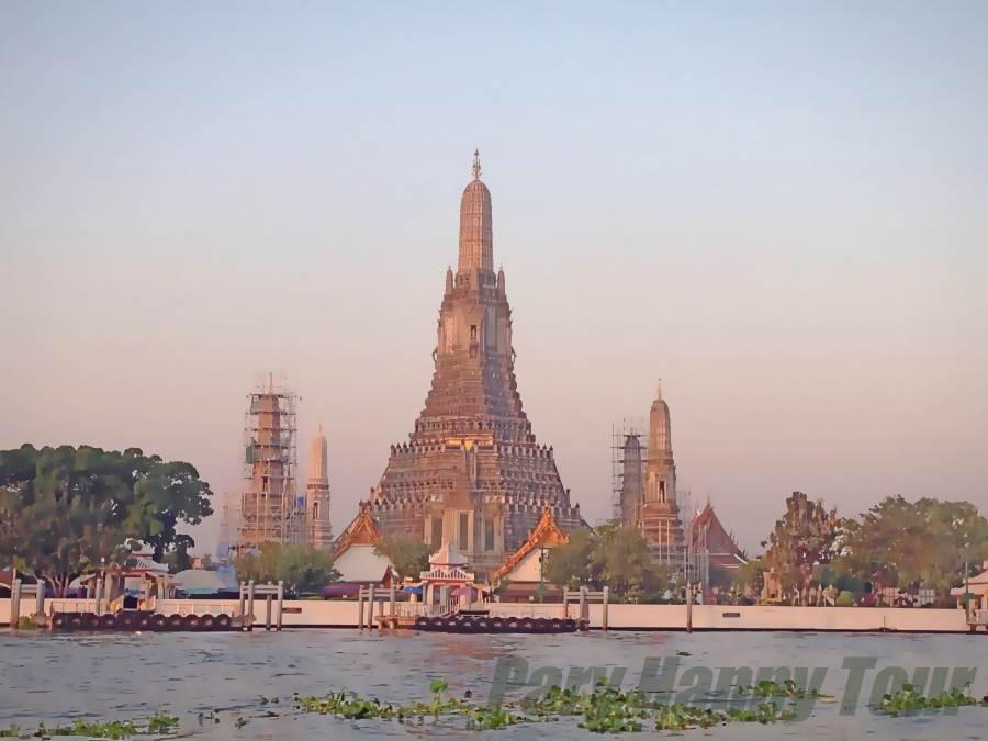 Wat Arun (The Temple Of Dawn) Wat Arun (The Temple Of Dawn)