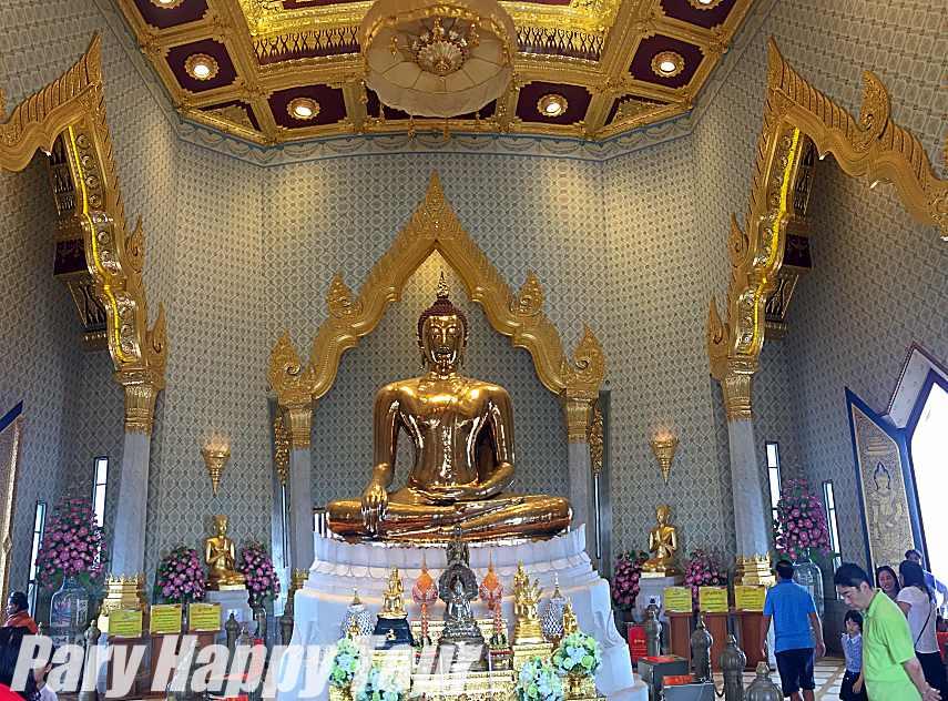 Wat Trimit (The Golden Buddha Temple) Wat Trimit (The Golden Buddha Temple)